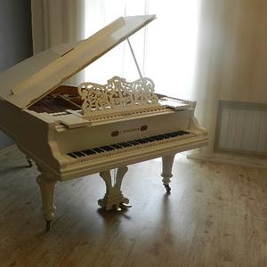 Продам старинный рояль MUHLBACH