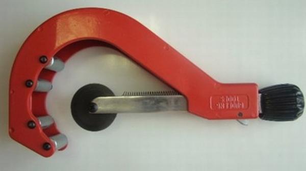 Ручной труборез для пластиковых труб от 50 до 110 мм