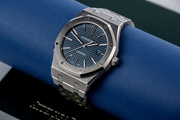 Дубликаты швейцарских часов в наличии